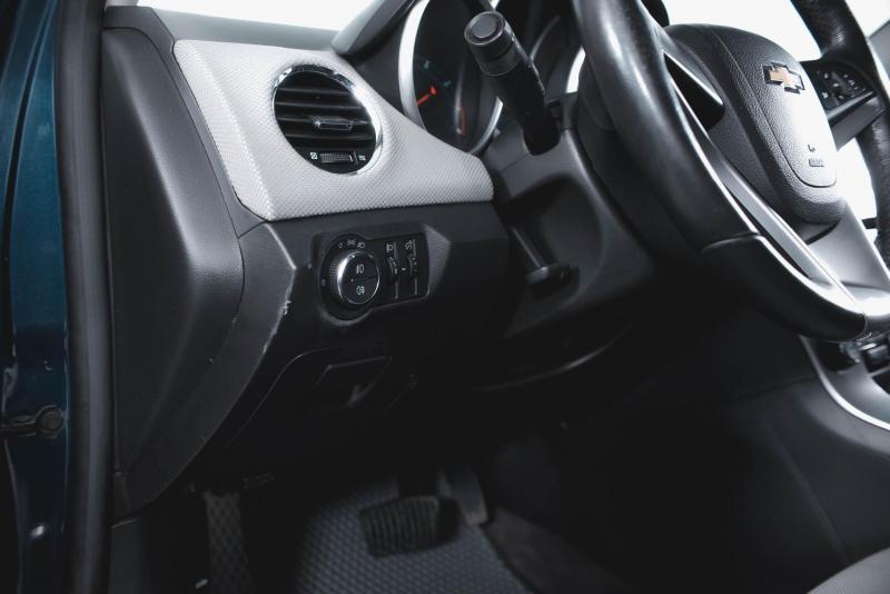Chevrolet Cruze 1.6 AT (109 л. с.)
