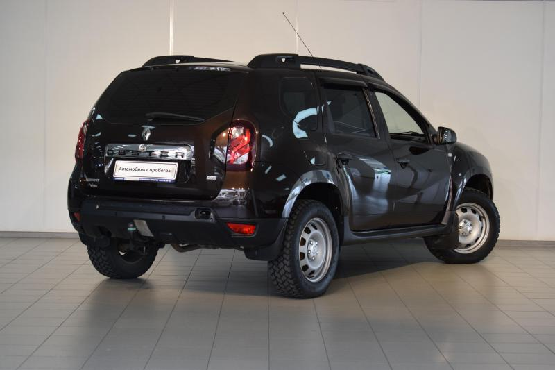Renault Duster 2.0 AT 4x4 (143 л. с.) Adventure