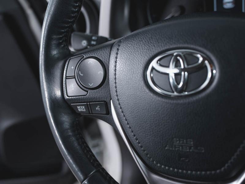 Toyota RAV4 2.0 MT (151л.с.) 4WD