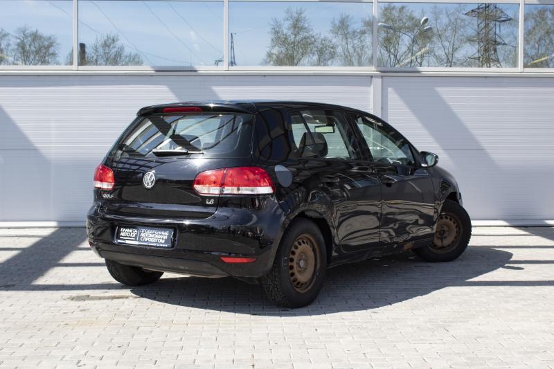 Volkswagen Golf 1.6 DSG (102 л. с.)