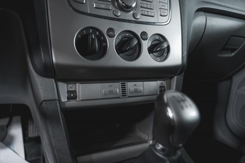 Ford Focus 1.6 MT (100 л. с.)