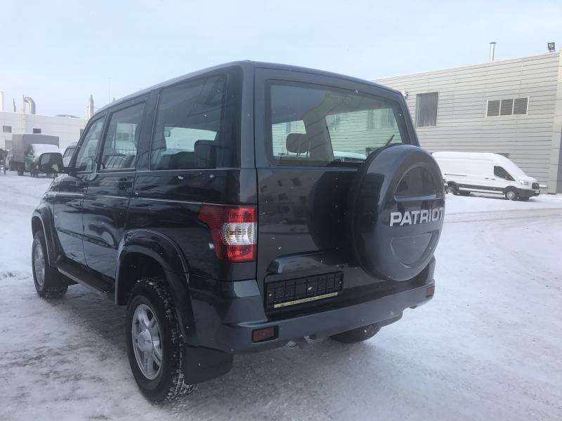 УАЗ Patriot 2.7 MT (135 л. с.) Престиж 385-03