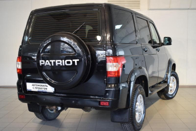 УАЗ Patriot 2.7 MT (135 л. с.) Престиж 380-03